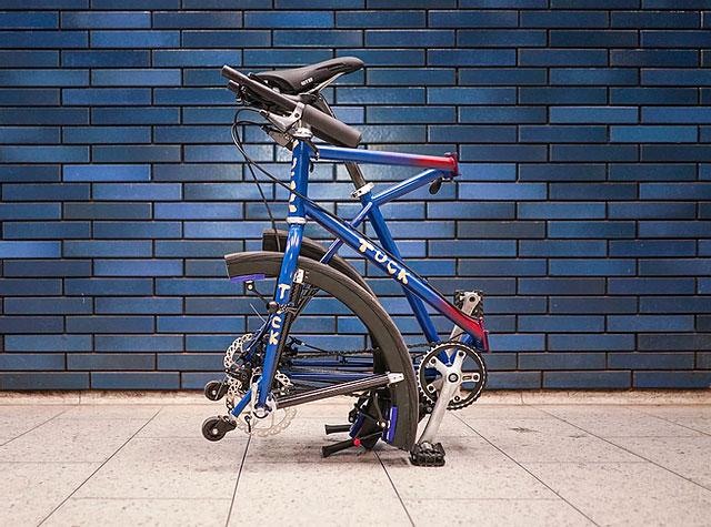 タイヤも折り畳める自転車