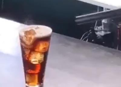 コーラのCM